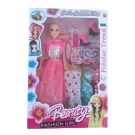 "Papusa ""Fashion girl"""