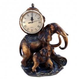 Elefanti rasina cu ceas