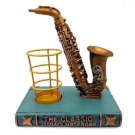 Saxofon cu suport pix