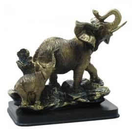 Elefant cu pui