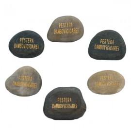 Magnet piatra - Pestera Dambovicioarei