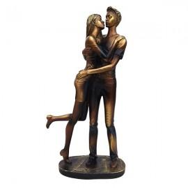 Statue cu baiat si fata