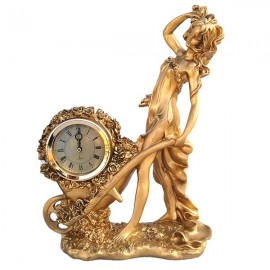 Tanara cu ceas